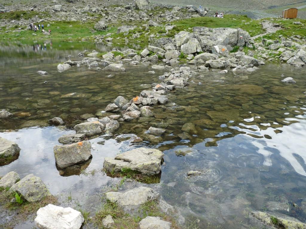 Ce qu'il reste de la séparation entre les deux lacs...