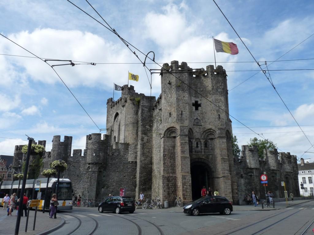 Le château des comtes de Flandre (1180)